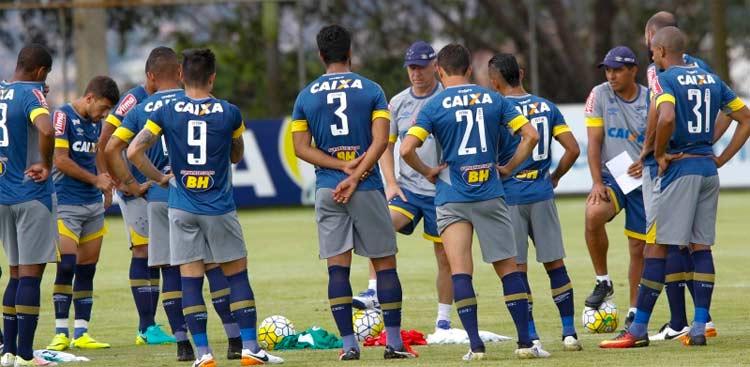 Técnico Mano Menezes disputará o Campeonato Mineiro pela primeira vez