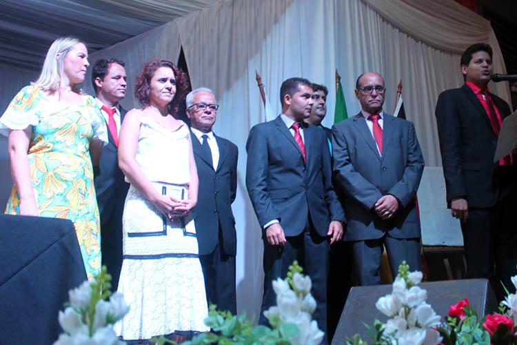 SECRETÁRIOS — Durante a solenidade de posse do prefeito no anfiteatro do Cine Vitória, Daniel Sucupira anunciou a equipe de 15 (quinze) nomes que comporão a sua equipe de trabalho (foto: Paraíba)