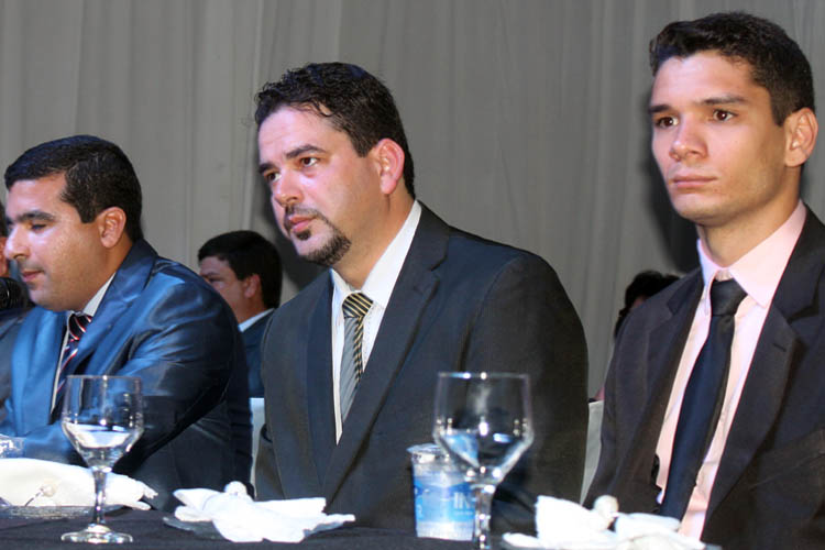 A Mesa Diretora da Câmara ficou assim constituída: Presidente – Fábio Lemes (esq), do PTdoB; vice-presidente – João Paulo (centro), do PSDB; e Gabriel Gusmão (dir), do PTdoB (foto: Paraíba)