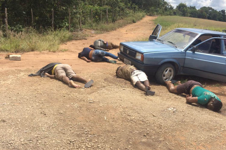 Cinco pessoas de uma mesma família foram encontradas mortas em Caraí