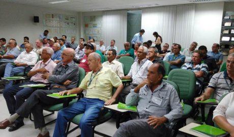 Delegados representando todas as unidades do Sicoob Credivale acompanham atentamente a Assembleia Geral Ordinária (foto: SANTHAR/minasreporter.com)