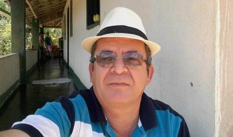 Nesta terça-feira, 14, foi a vez do amigo, o advogado Valmir de Abreu, também comemorar o seu níver (foto: Facebook   Reprodução)