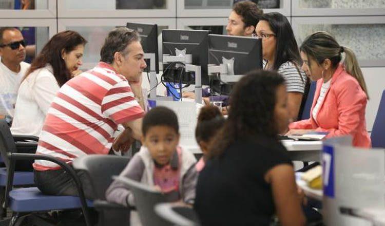 Neste sábado, agências da Caixa Econômica Federal estiveram abertas das 9h às 15h para atendimento exclusivo sobre contas inativas do FGTS (foto: Fabio Rodrigues Pozzebom/Agência Brasil)