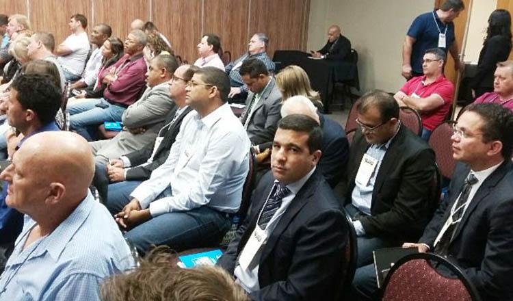 Em destaque, o presidente da Câmara Municipal de Teófilo Otoni, vereador Fábio Lemes, participa de encontro de gestores de legislativos municipais, em Brasília