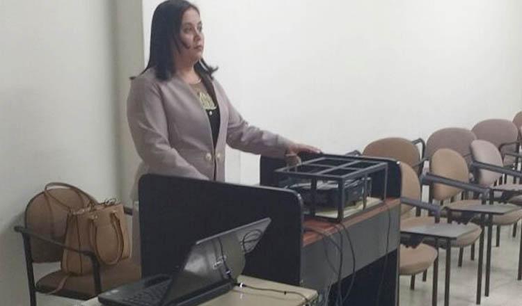 A advogada Carla de Almeida Gonçalves defendeu a sua tese de doutorado em Ciências Sociais e Jurídicas na Universidad del Museo Social Argentino