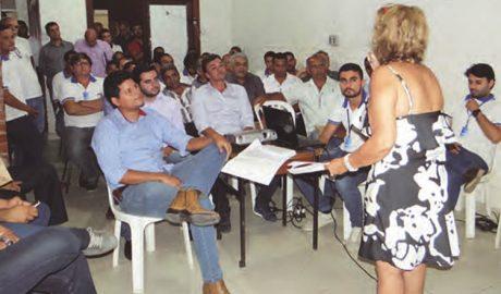 Cinara Gerdi durante a sua fala aos prefeitos (foto: Diário Tribuna)