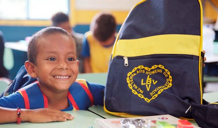 Um dos objetivos da campanha Criança Nota 10 — Proteger a infância é acreditar no futuro! É contribuir para que não haja evasão escolar (foto: Gleison Simplício |em Porto Velho – RO)