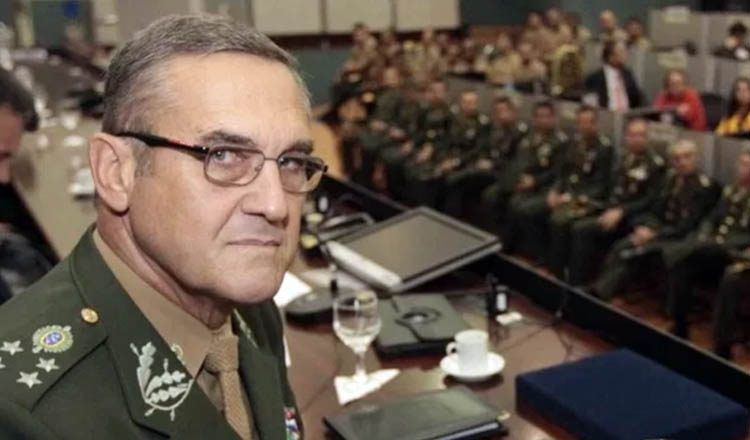 De acordo com o general do Exército, Eduardo Villas Boas, as forças armadas foram sondadas para decretar estado de defesa no Brasil, na prática, um verdadeiro golpe de estado