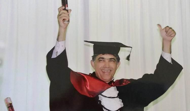 Jorge Arcanjo, durante a sua colação de grau no Curso de Direito. Ele acaba de ser aprovado no exame da OAB. Agora é advogado, de fato e de direito (foto: Facebook | Reprodução)