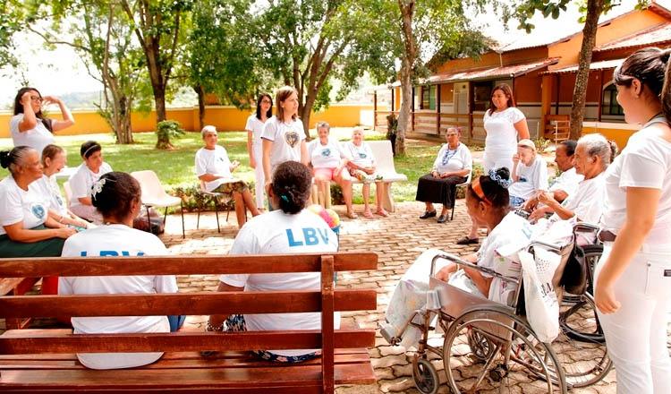 O Lar Alziro Zarur da LBV, em Teófilo Otoni, atende a pessoas idosas em vulnerabilidade social (foto: Diário de Teófilo Otoni online | Reprodução)