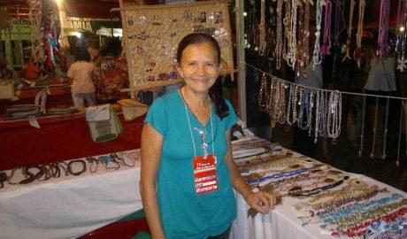 a empreendedora Maria do Socorro Alves é uma das usuárias das linhas de crédito do Banclisa (foto: Taty Gomes | Agência Minas)