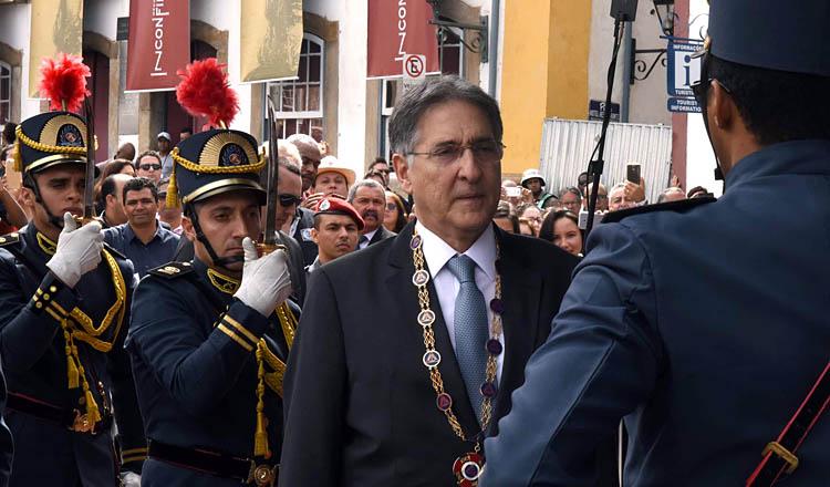 O governador Fernando Pimentel durante a solenidade para a entrega da Medalha Alferes Tiradentes (foto: Verônica Manevy | Imprensa MG)