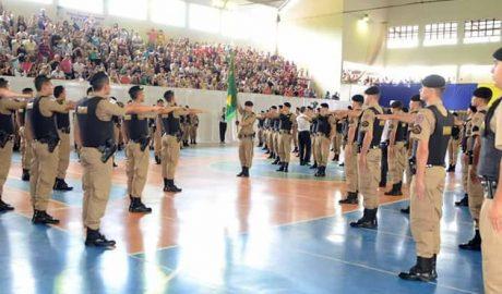 A cerimônia foi presidida pelo comandante da 15ª RPM, Coronel Marcelo Fernandes, e pelo comandante do 19º BPM, Ten. Cel. Marinho (foto: Facebook | Reprodução)